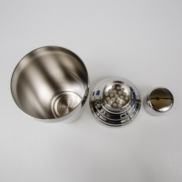Image of Yukiwa Baron Micron Bubble Mirror Finished Stainless Steel Cobbler Cocktail Shaker 3