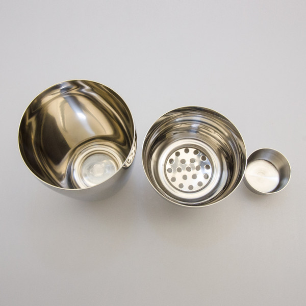 Image of Yukiwa Micron Bubble Mirror Finished Stainless Steel Cobbler Cocktail Shaker 3