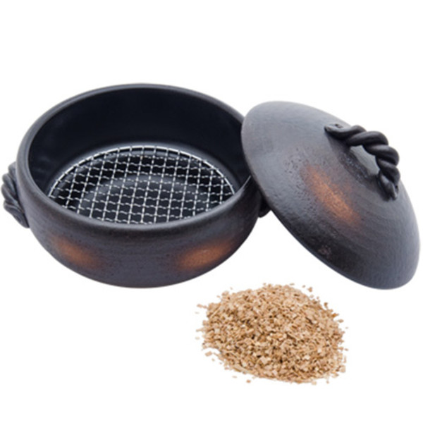 Image of Black Bizen Smoker Pot with Net & Starter Cherry Chip Bag