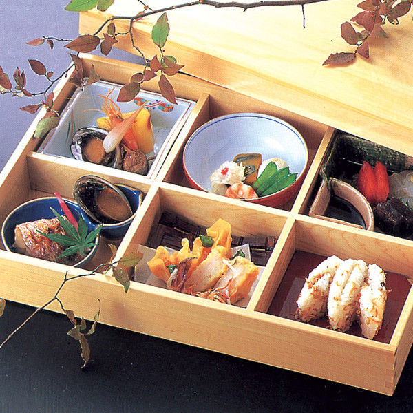 Image of Wooden Kiwami Six Divided Bento Box 2