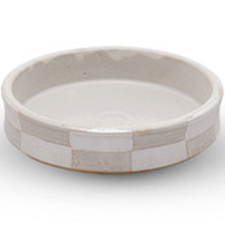 Taku White Checkered Round Plate