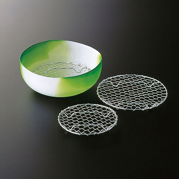 """Image of Round Stainless Net Plate 4""""Dia 2"""